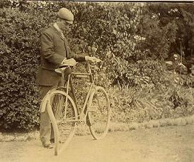 Heaver with his damaged bicycle, eighteen days after his accident